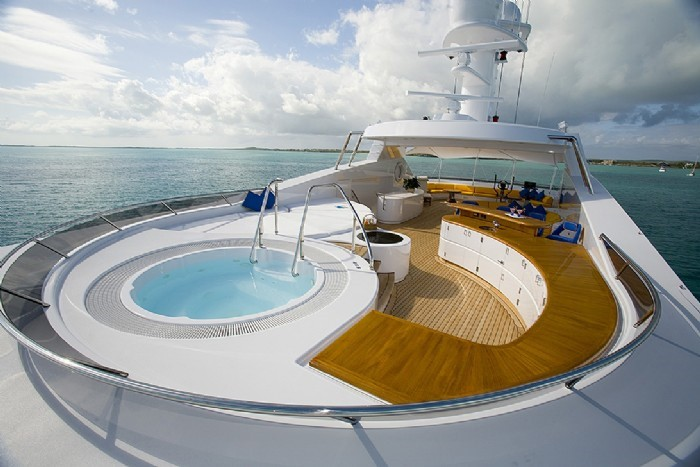 Jacuzzi Pool On Board Yacht BROADWATER