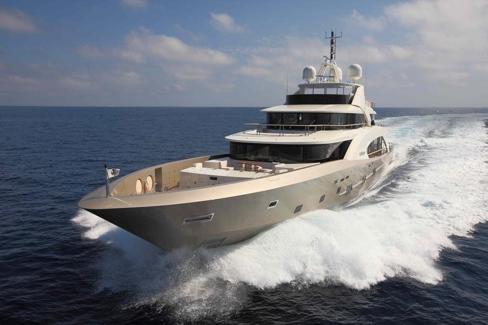 Cruising On Yacht LA PELLEGRINA
