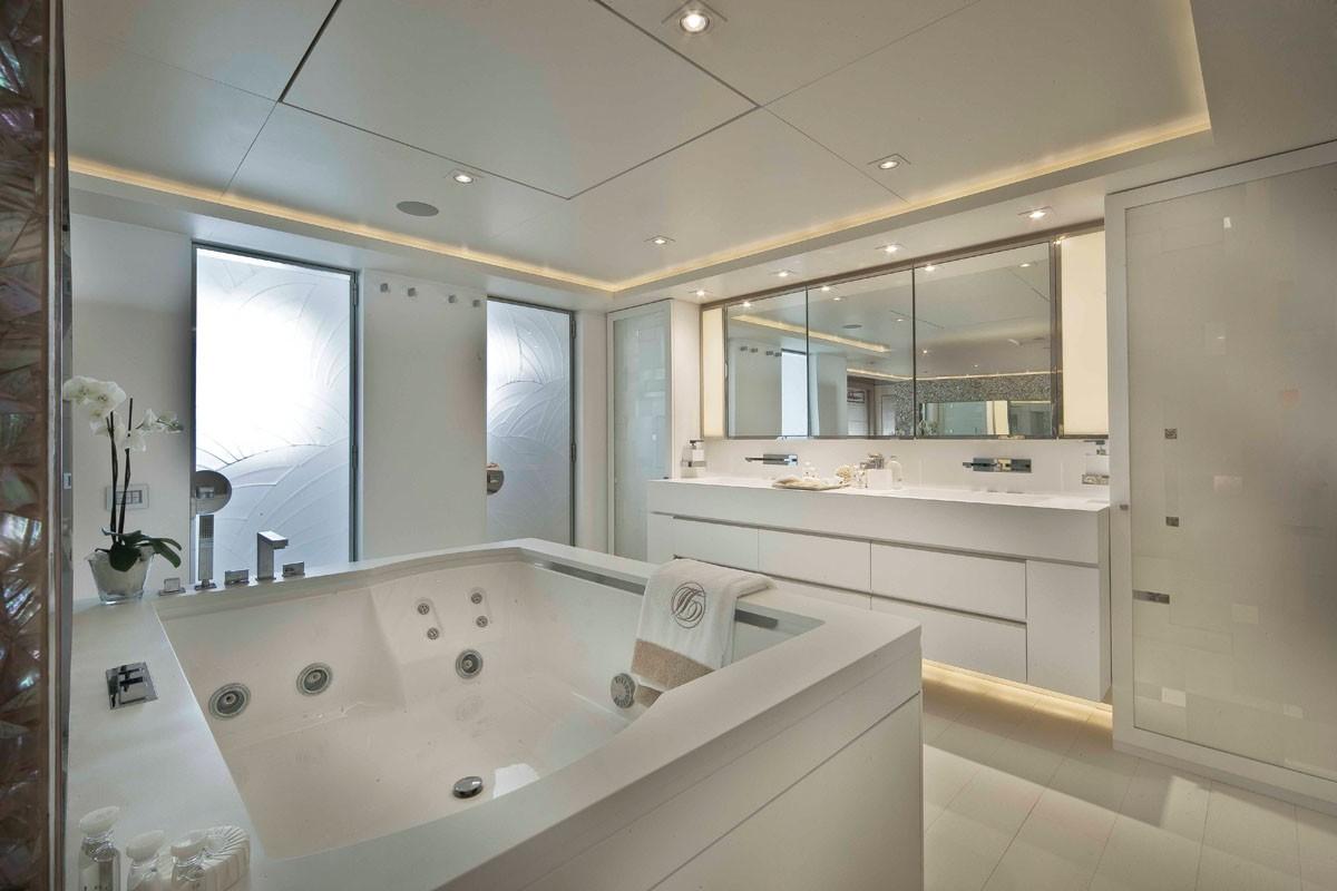 Main Master Bathroom Aboard Yacht LIGHT HOLIC