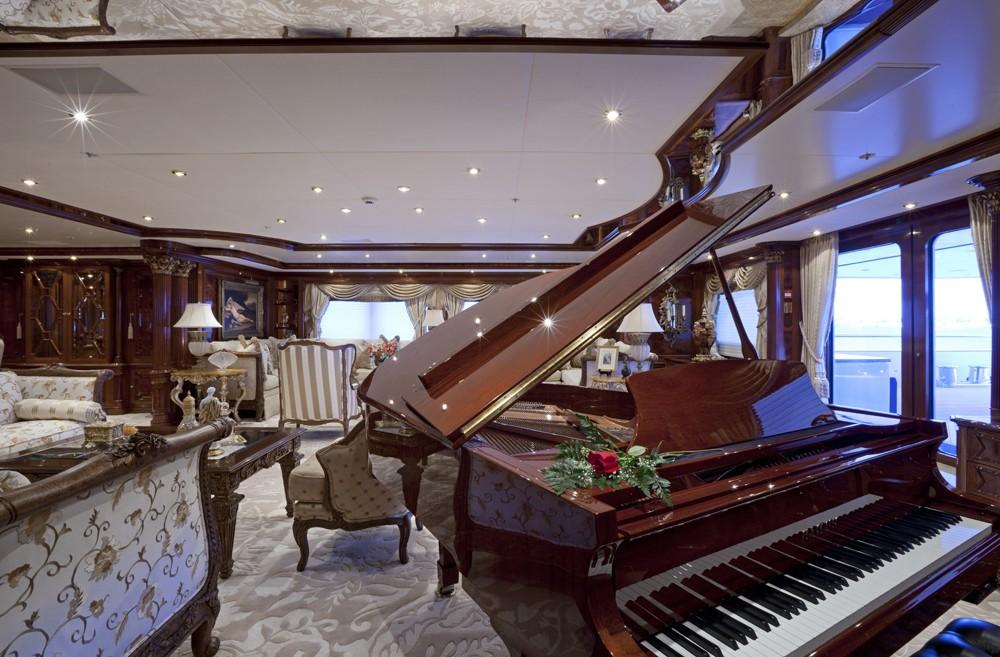 The 70m Yacht MARTHA ANN