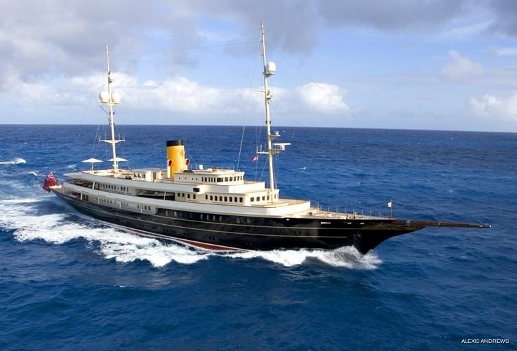 Profile Aspect: Yacht NERO's Cruising Photograph