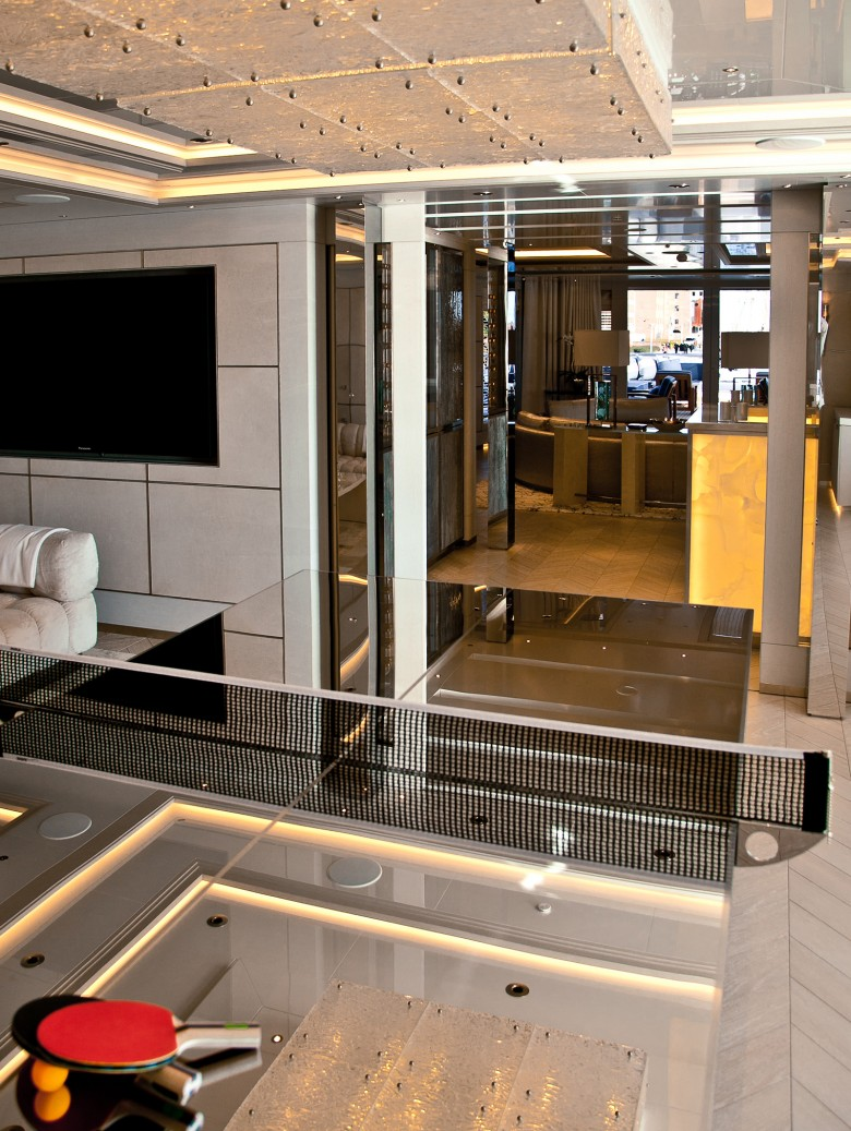 Odessa ii yacht charter details adm kiel charterworld for Interior design kiel