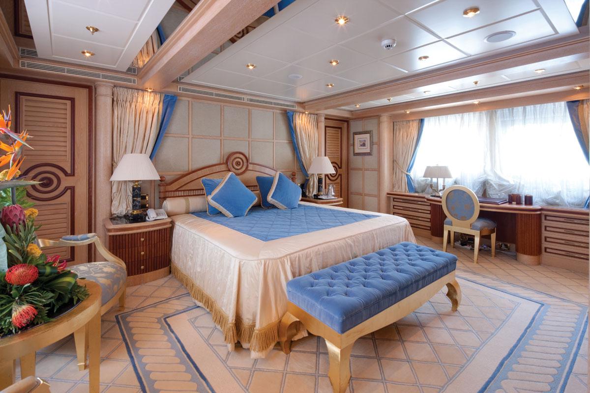 Double-cabin