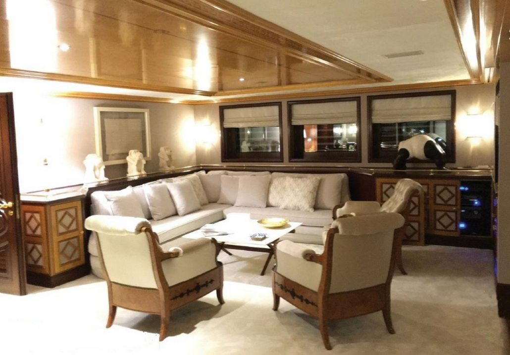 Saloon With Seating