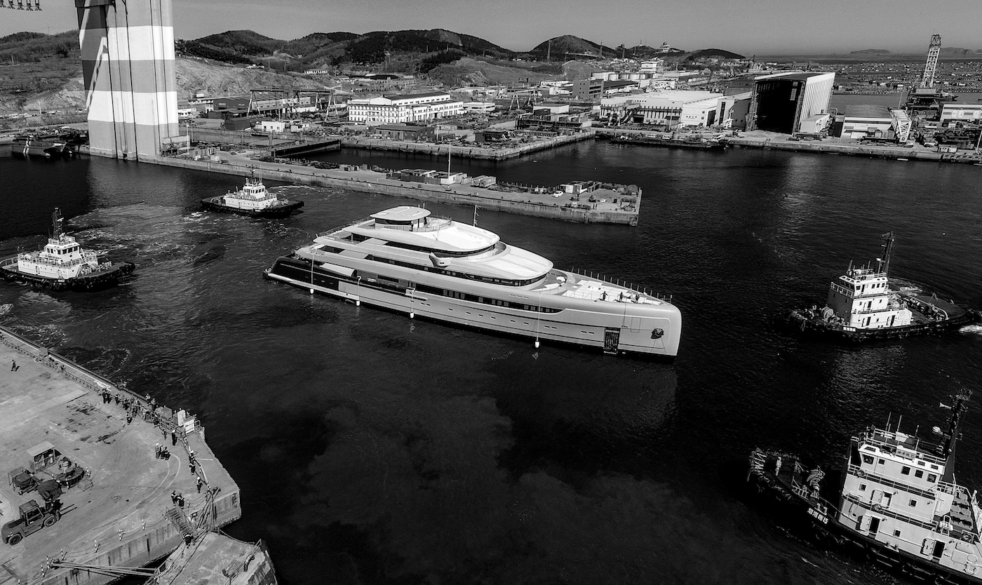 88,5m ILLUSION PLUS mega yacht cruising for the first time