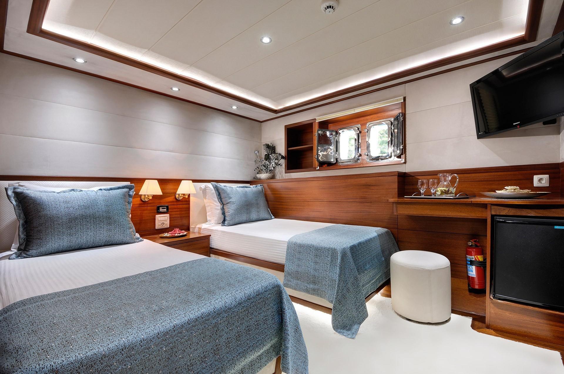 Alessandro Interior - Twin cabin