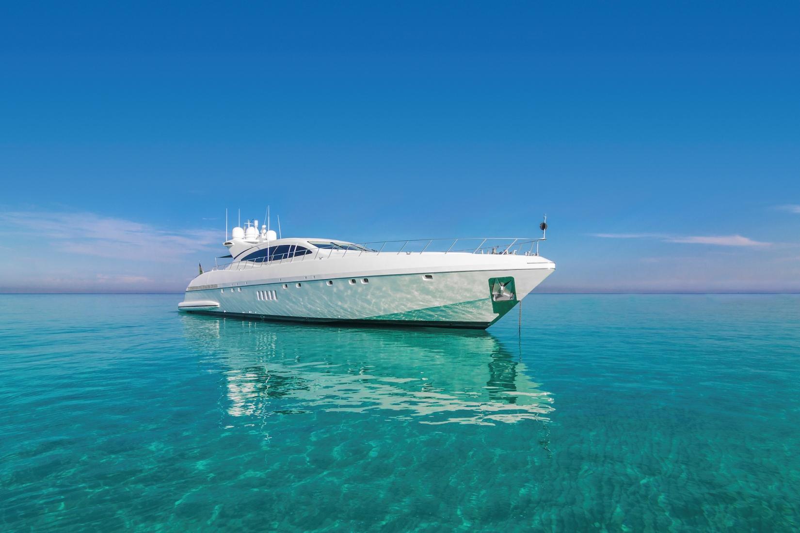 Mangusta 108 Yacht FOUR FRIENDS - Anchored