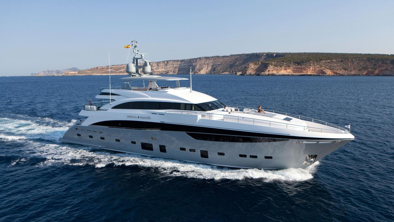 Motor Yacht IMPERIAL PRINCESS BEATRICE By Sunseeker - Profile Underway