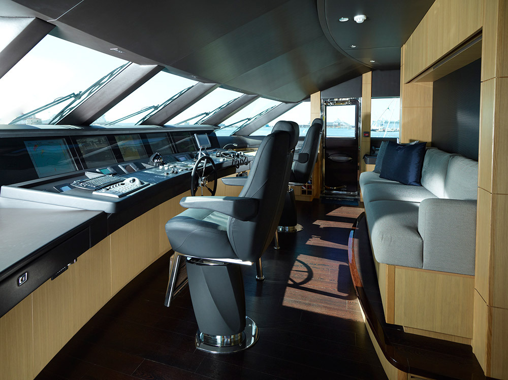 Motor Yacht IMPERIAL PRINCESS BEATRICE By Sunseeker - The Bridge