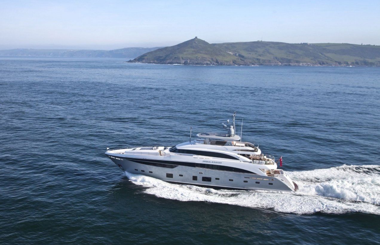 Motor Yacht IMPERIAL PRINCESS BEATRICE By Sunseeker - Underway At Sea