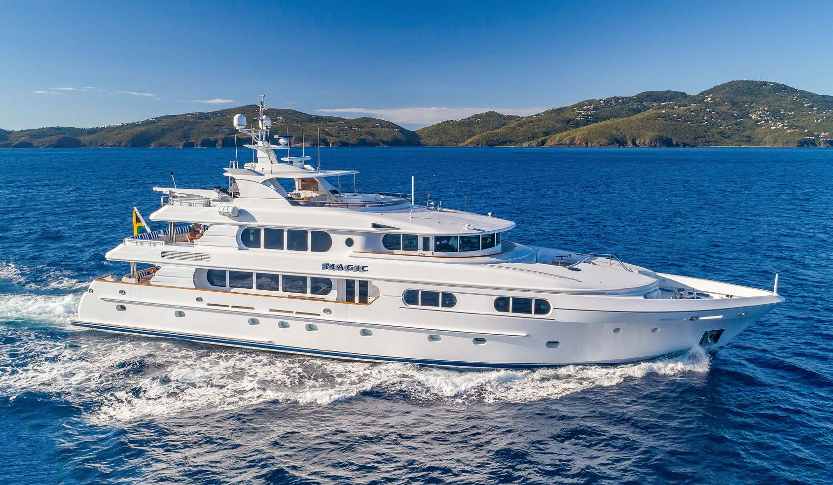 Motor Yacht MAGIC 130