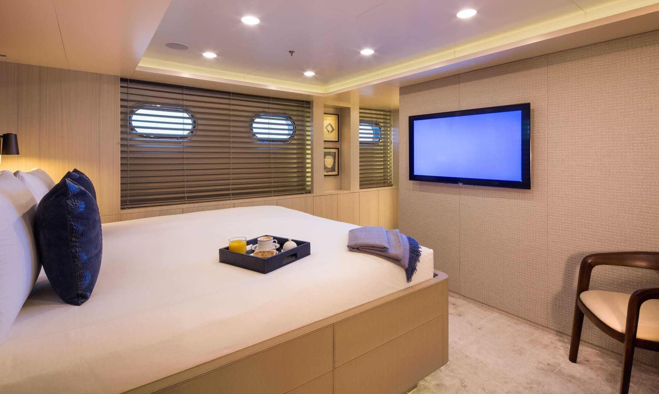 PICNIC Interior - Double Cabin
