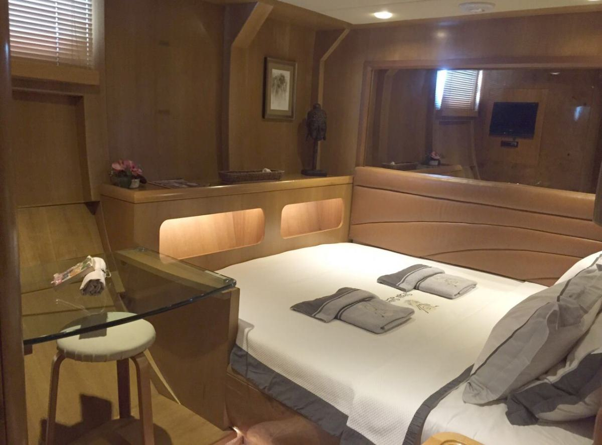 SUHEYLA SULTAN Double Bed