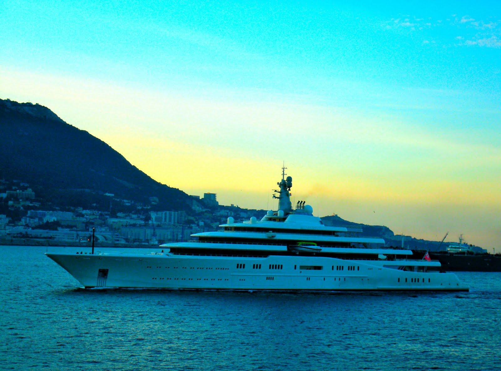 Yacht ECLIPSE In Gib