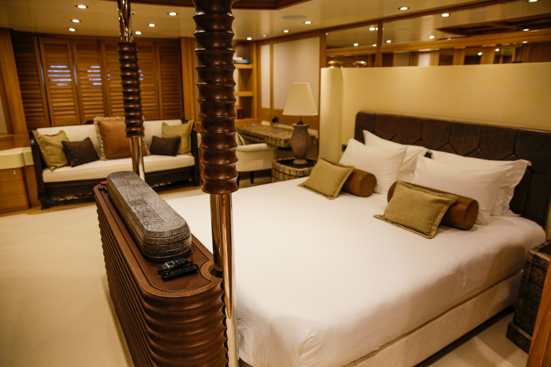 Master stateroom king bed