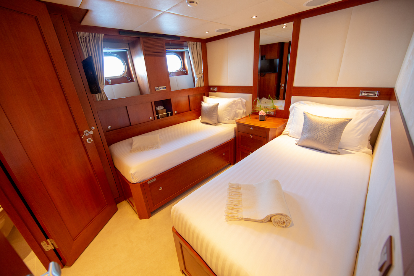 Aft Port Twin Guest Cabin