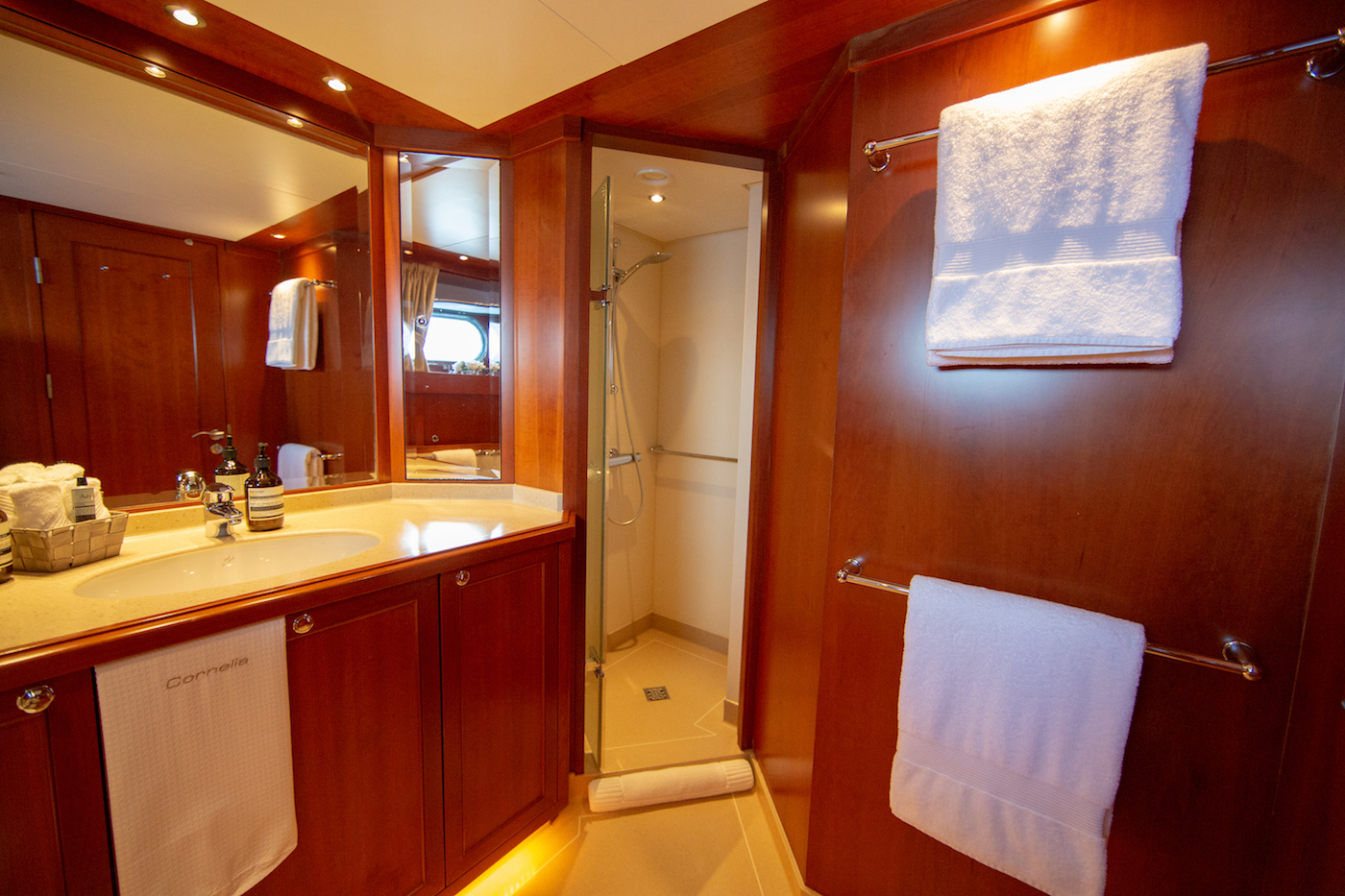 Starboard Twin Bathroom