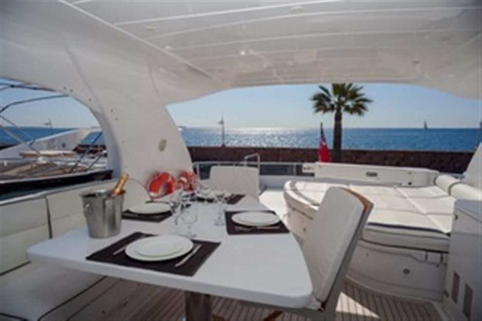Life On Yacht TEMPTATION DELTA