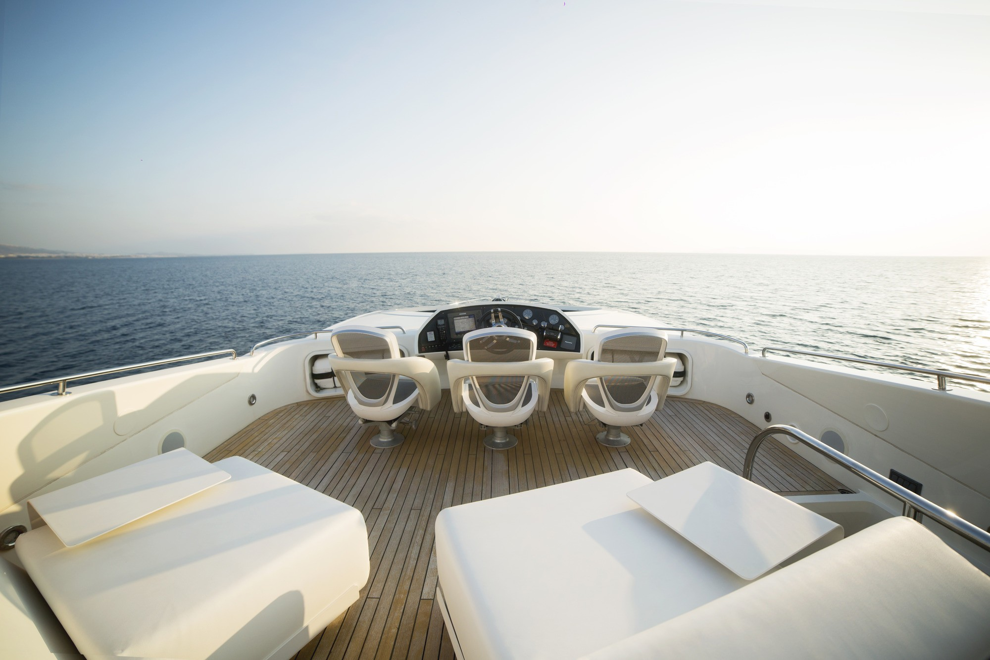 The 28m Yacht BLADE 6