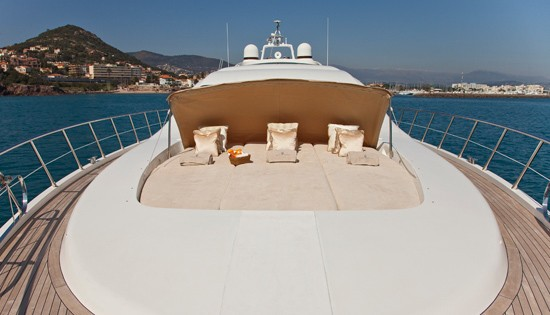 Life On Yacht DELHIA