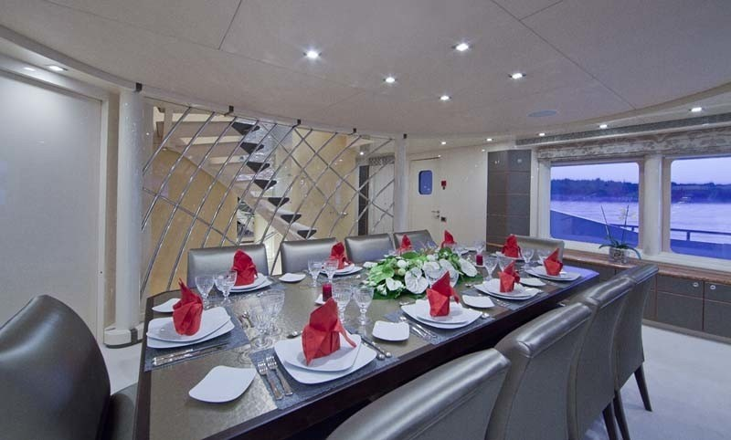 Eating/dining Furniture Set Aboard Yacht SISTER ACT