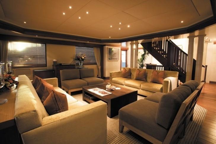 Premier Saloon On Yacht LAZY Z