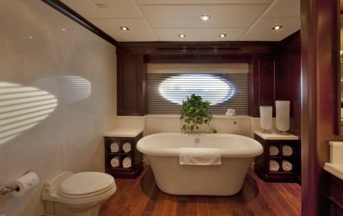 Main Master Bathroom Aboard Yacht COCKTAILS