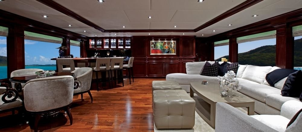 Sky-lounge Aboard Yacht COCKTAILS