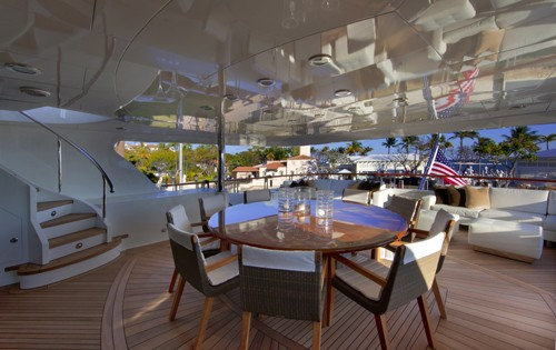 External Eating/dining On Yacht COCKTAILS