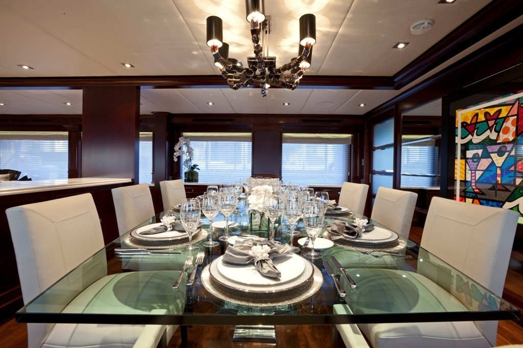 The 52m Yacht COCKTAILS