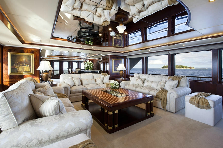 Night Time: Yacht NOBLE HOUSE's Premier Saloon Image
