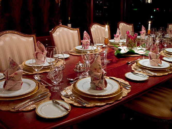 Eating/dining Saloon On Board Yacht NOBLE HOUSE
