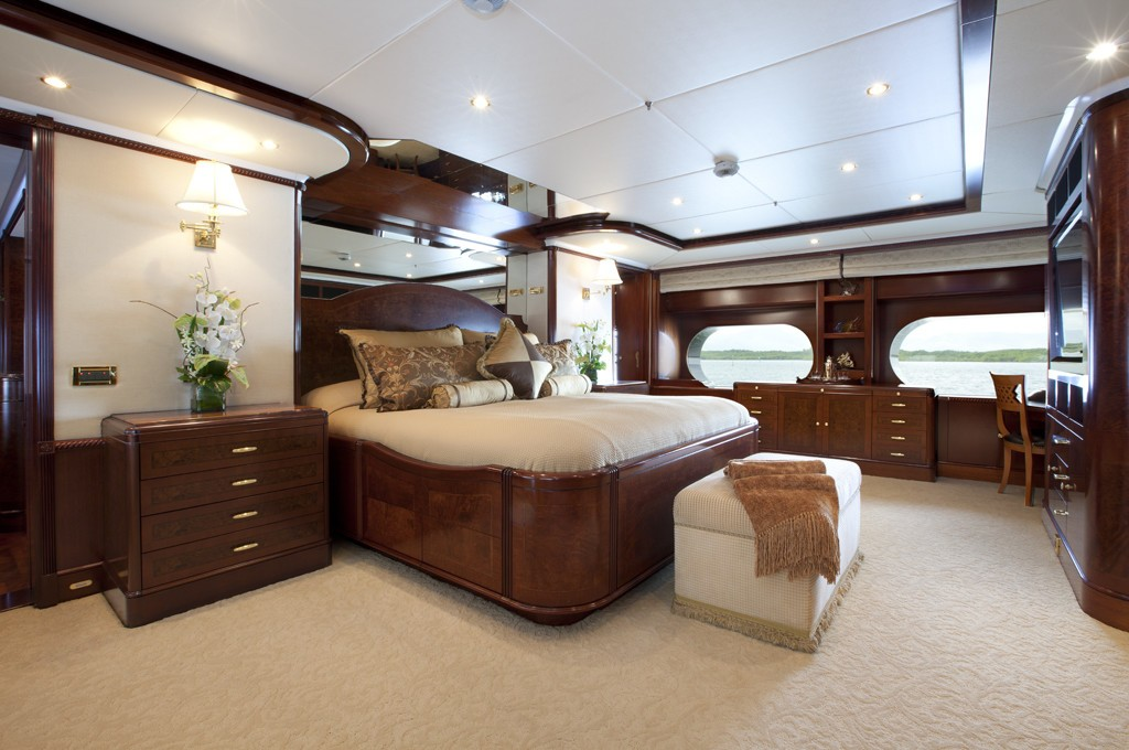 Main Master Cabin On Board Yacht NOBLE HOUSE