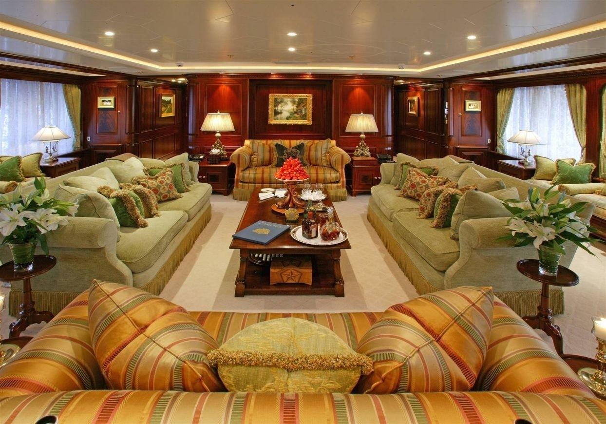 Night Time: Yacht PARAFFIN's Premier Saloon Captured