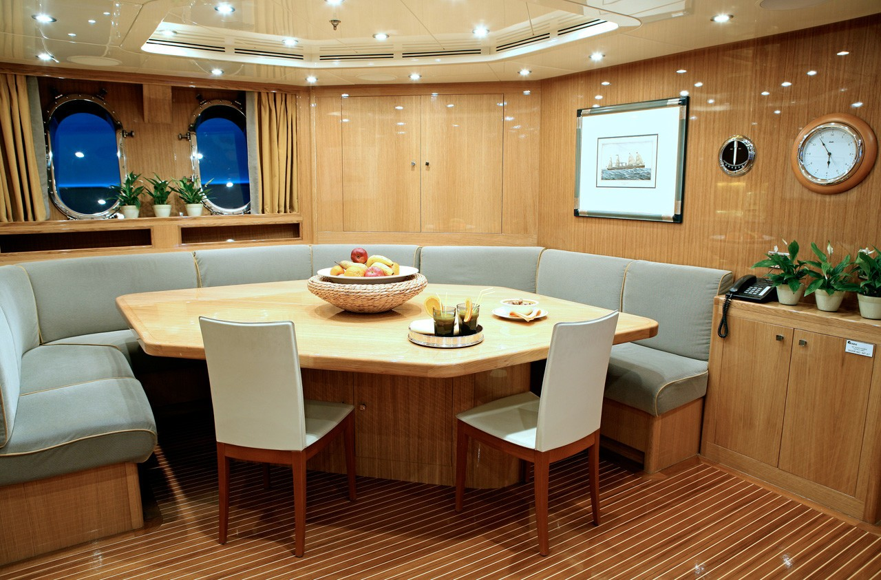 The 60m Yacht SUNDAY