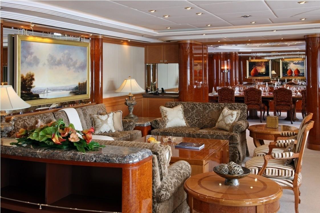 Sitting: Yacht CAPRI's Premier Saloon Image