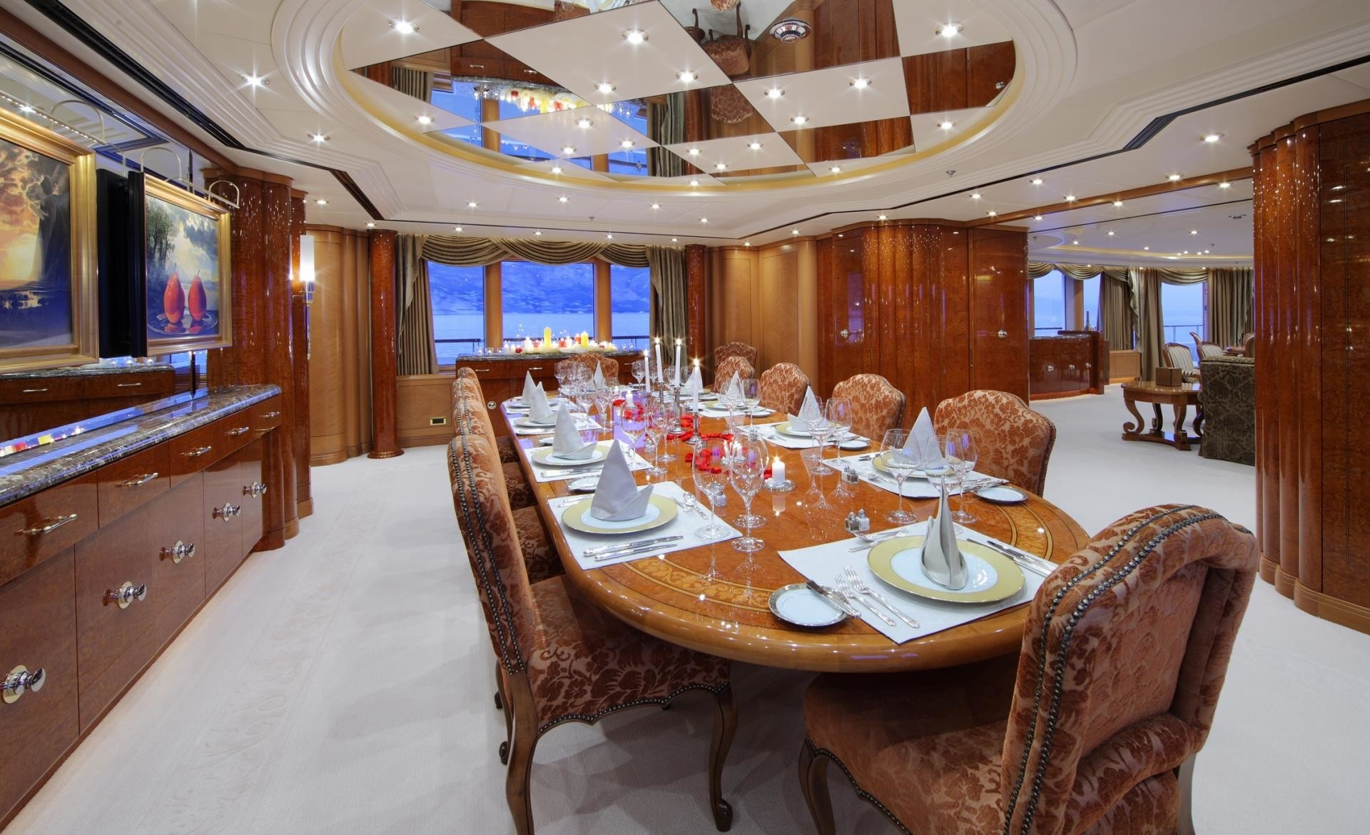 Eating/dining Saloon On Board Yacht CAPRI