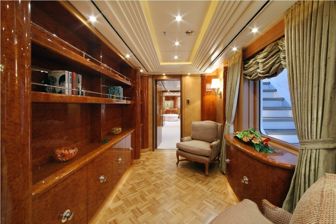 Library On Board Yacht CAPRI