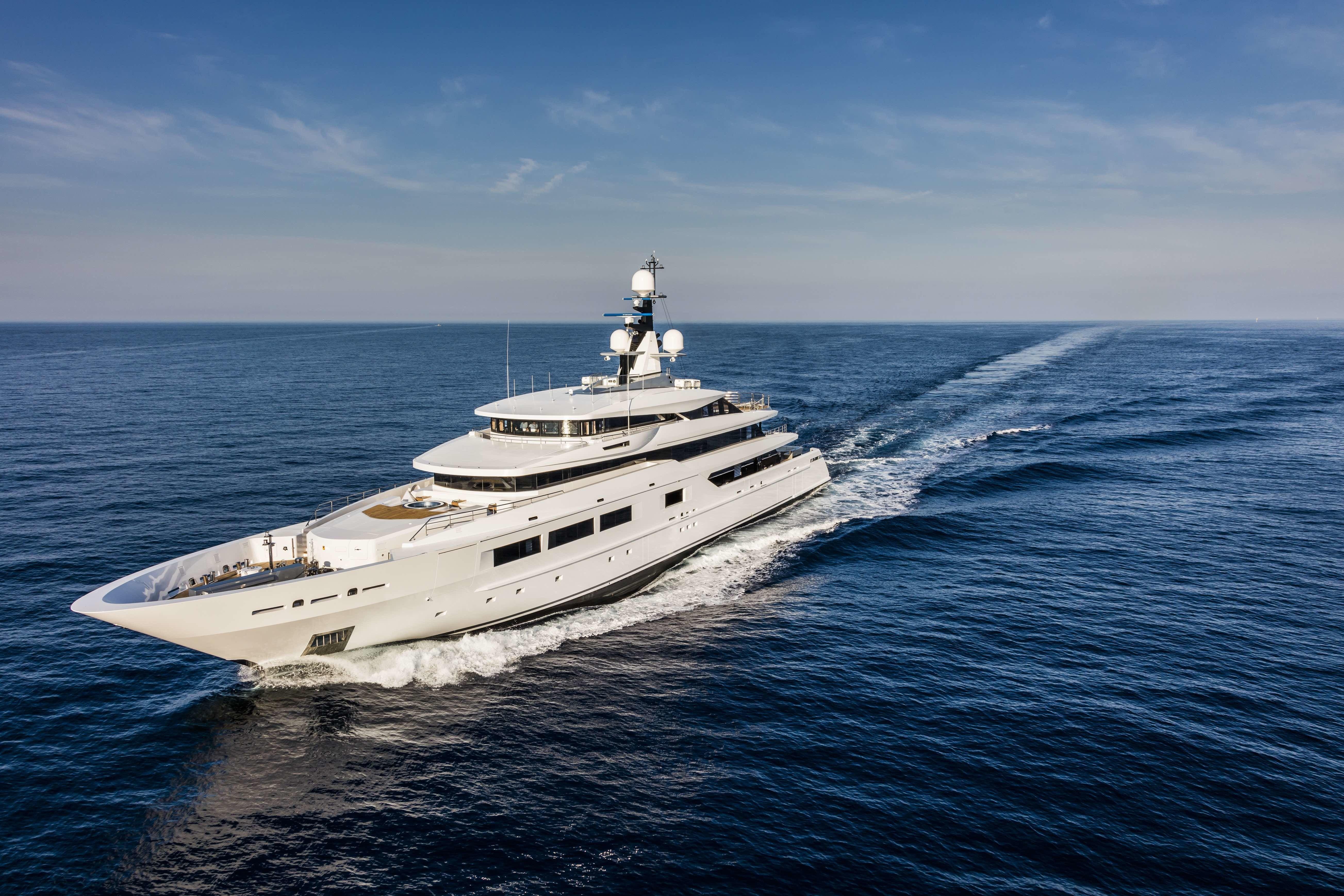The 69m Yacht SUERTE