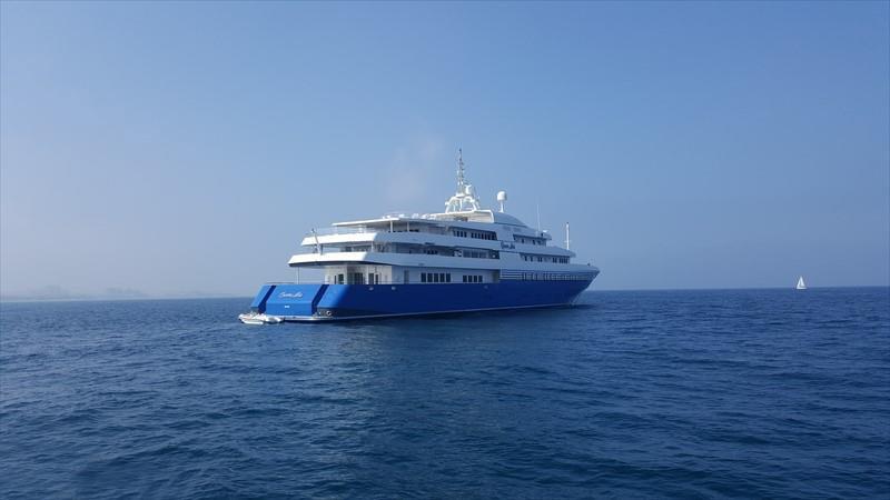 The 92m Yacht QUEEN MIRI