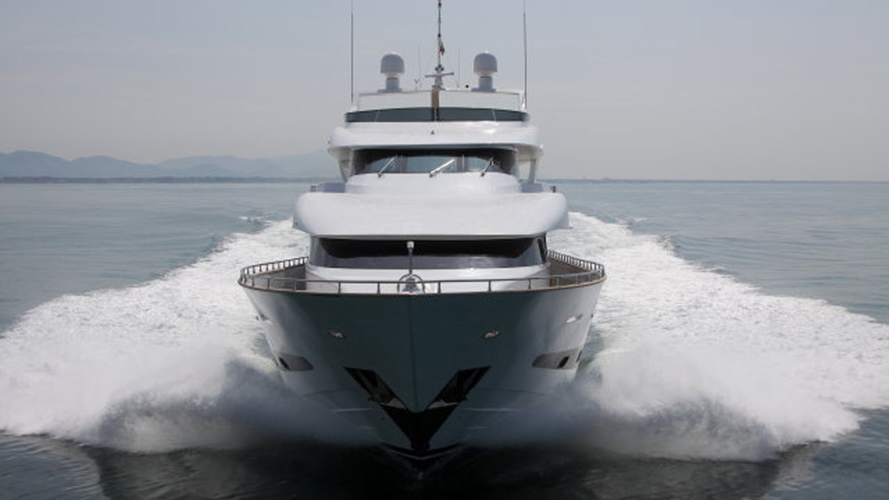 Exterior Bow View