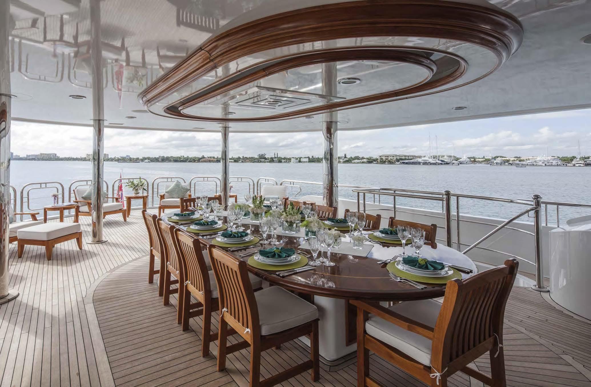 Alfresco Dining Exterior Deck