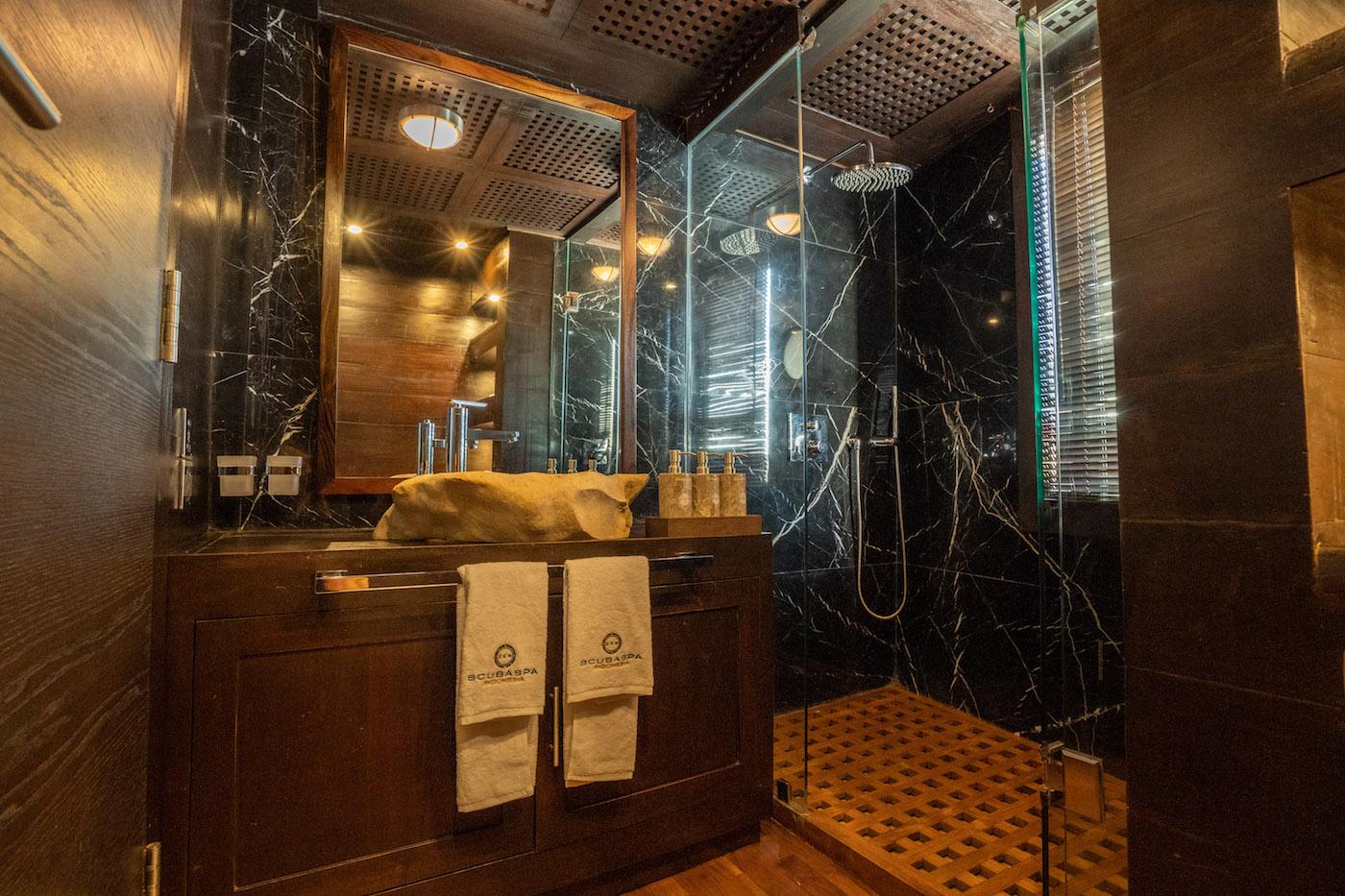 Owner Manta Suite Bathroom