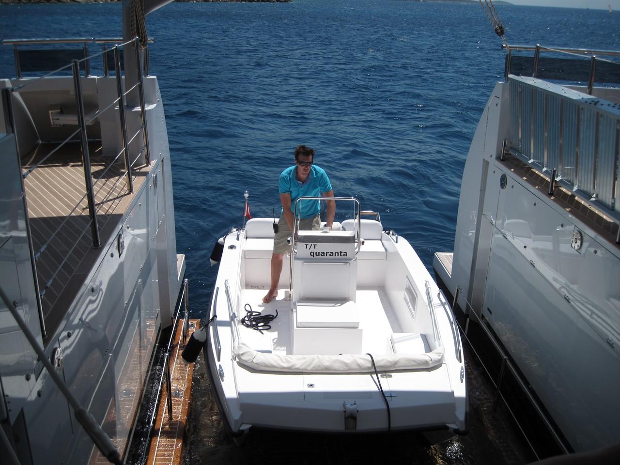 Power Catamaran Quaranta