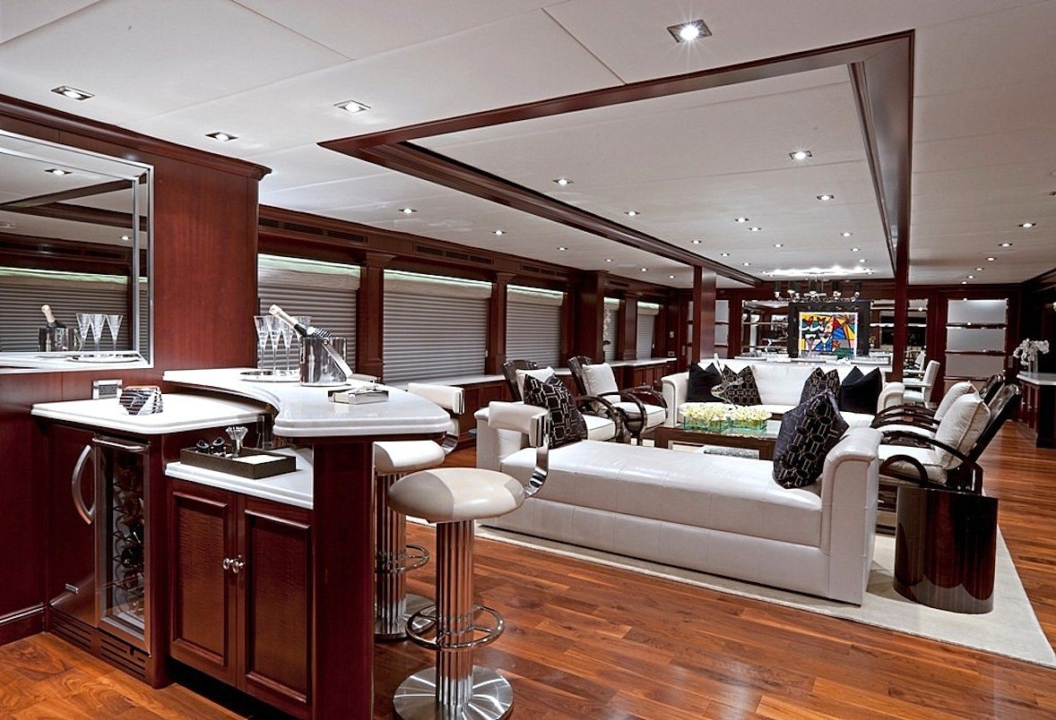 Yacht COCKTAILS - By Trinity Yachts - Interior Salon