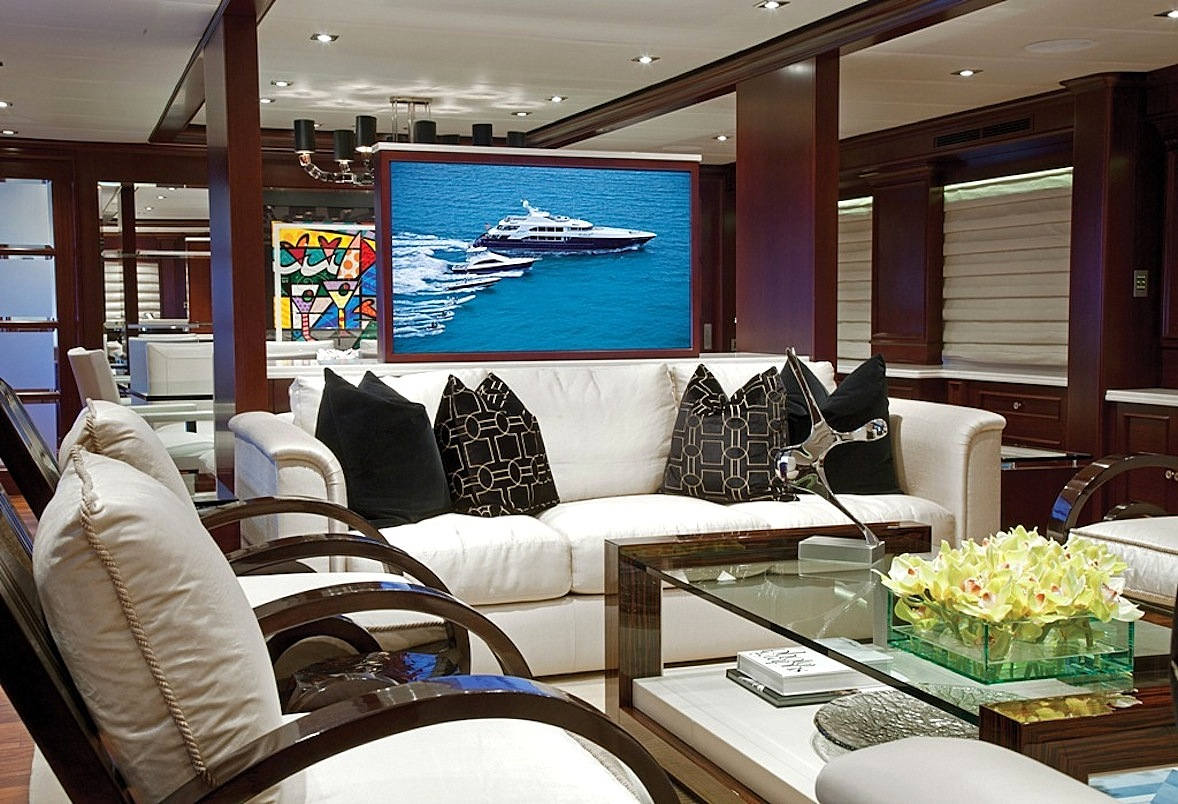 Yacht COCKTAILS - By Trinity Yachts - Interior Seating