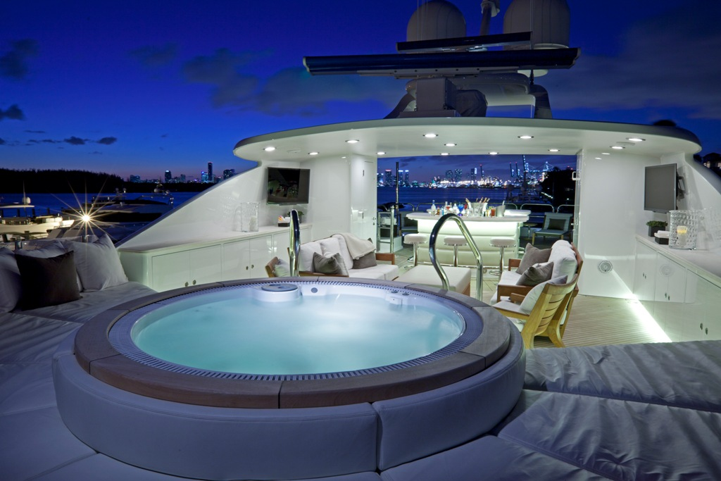 Yacht COCKTAILS - By Trinity Yachts - Sundeck With Jacuzzi Evening