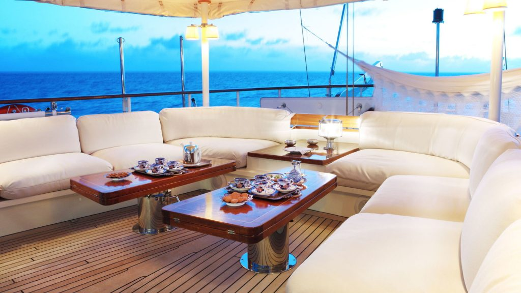 Yacht DIONE STAR Aft Deck Seating