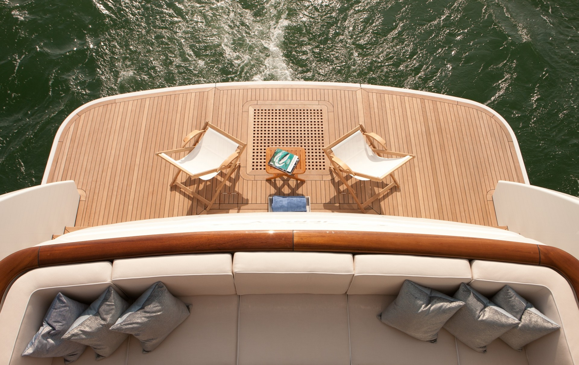 Yacht FIREFLY By Mulder - Relaxation On Aft