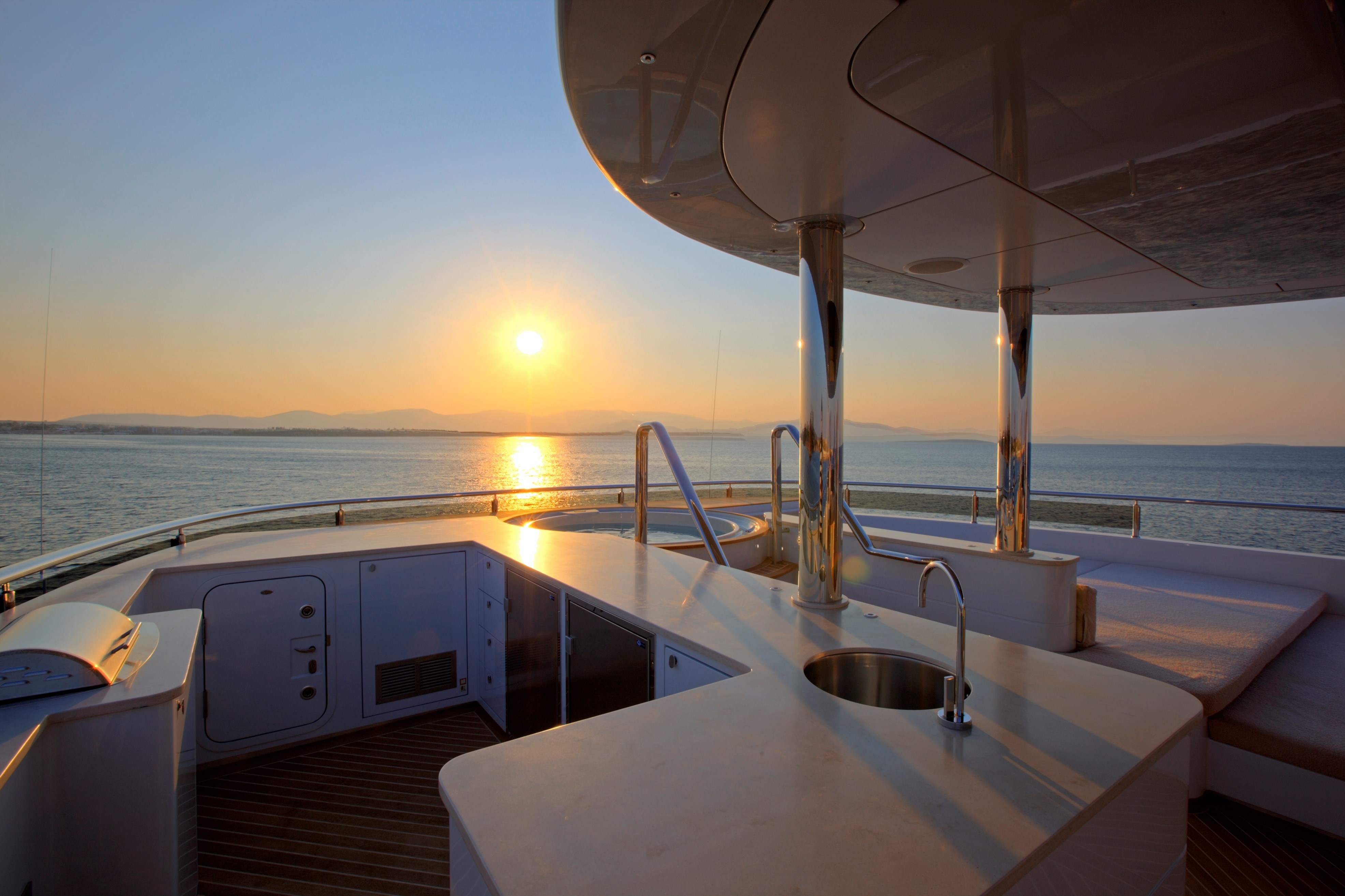 Yacht QUARANTA By Curvelle - BBQ And Jacuzzi At Sunset